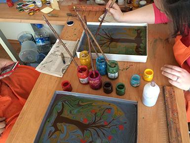 Local Guides Connect - 土耳其傳統大理石浮紋浮水拓畫Ebru Art(Water Marbling)Workshop -  Local Guides Connect