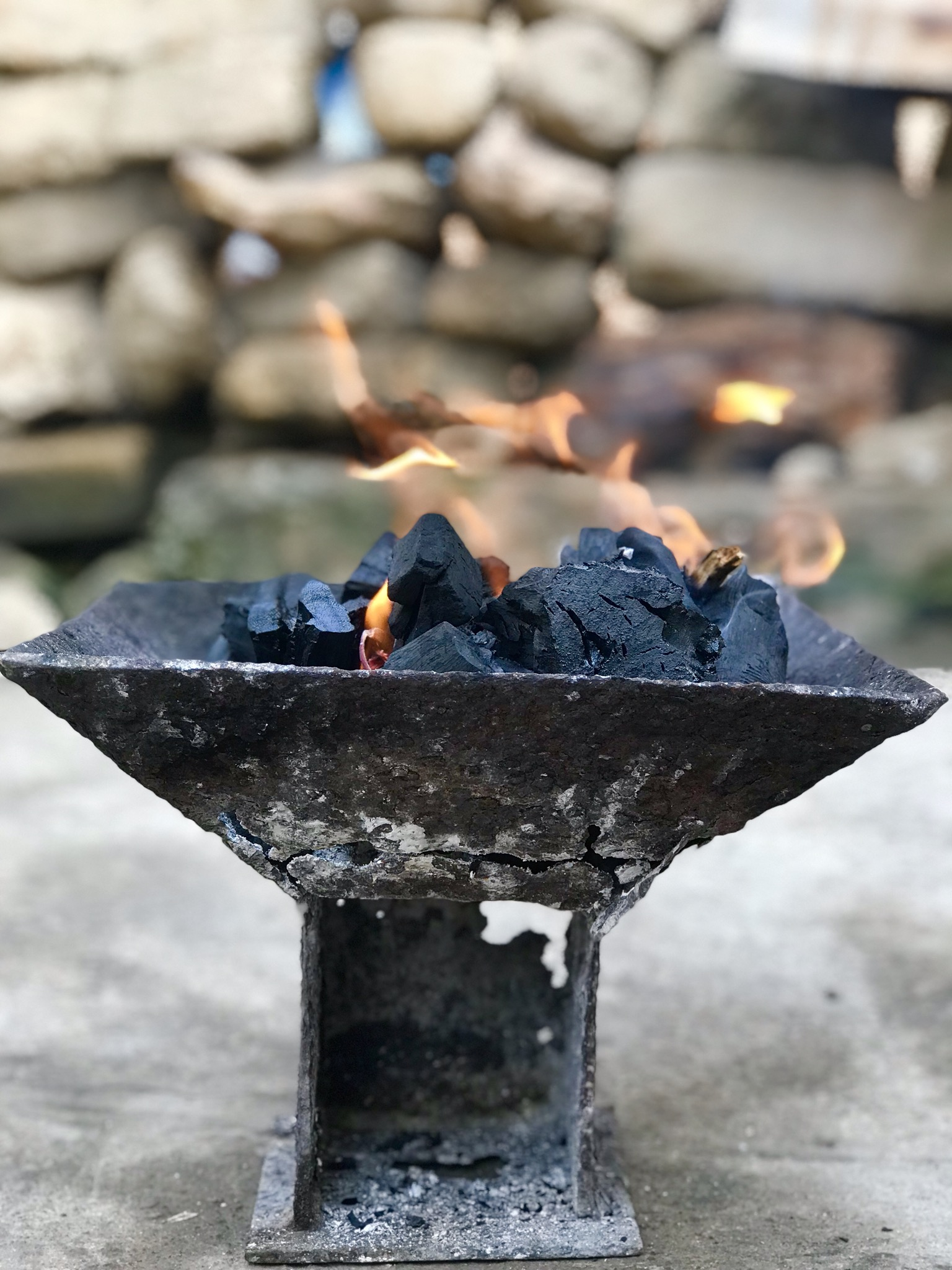 Local Guides Connect - Ghanaians Modern Day Major Use of Coalpot - Local  Guides Connect