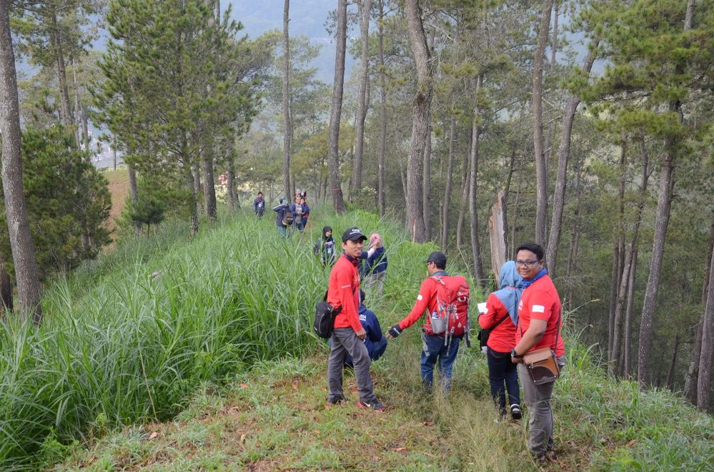 The red Local Guides from Blitar, Indonesia