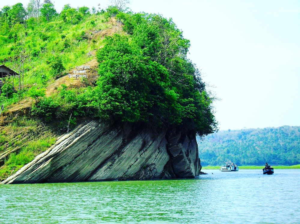 paragraph natural beauty of bangladesh for class six