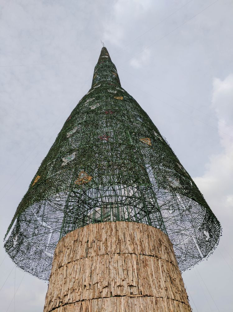 the world's tallest artificial Christmas tree