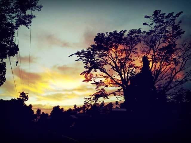 Beautifully rise as it beautifully set
