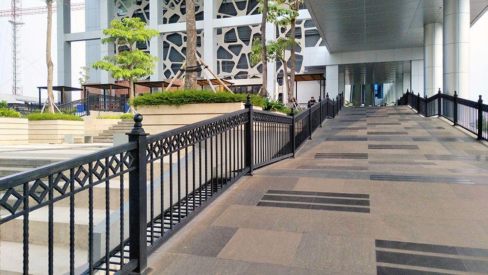 LG-suparno-jumar-MNC-Studios-Jakarta-1000.jpg