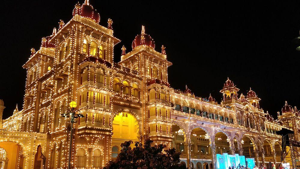 1. LG-Sahana-S-Mysore-Palace-Karnataka-India-1200.jpg