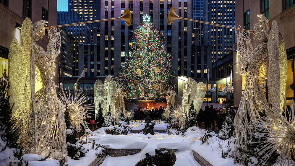 1.-LG-Jonas-Modesto-Rockefeller-Center-NYC-1000.jpg