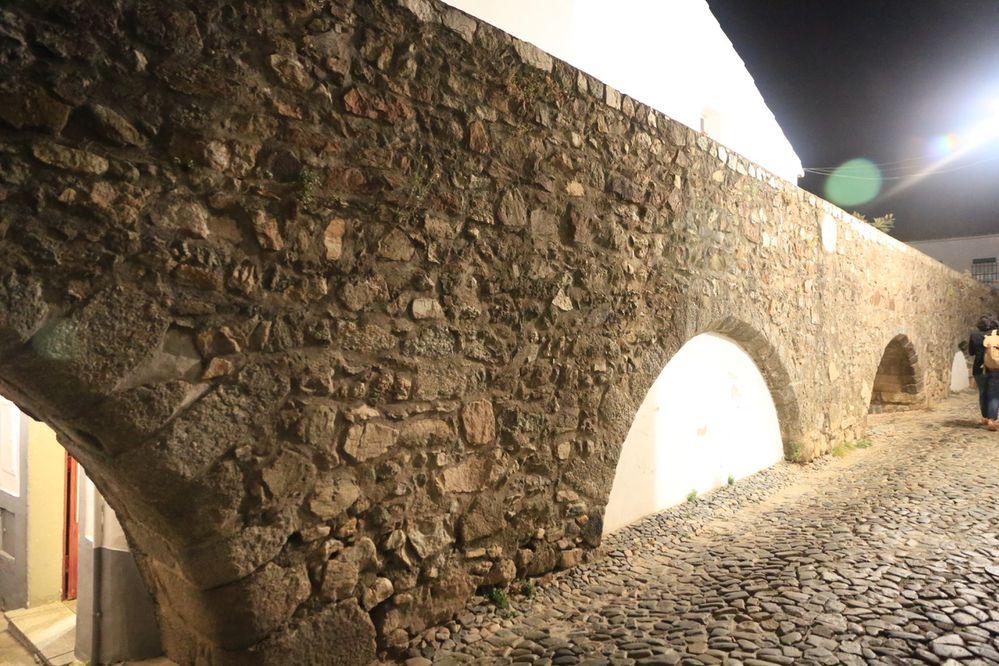 Local Guides Connect Evora Portogallo Una Città Gialla E Bianca