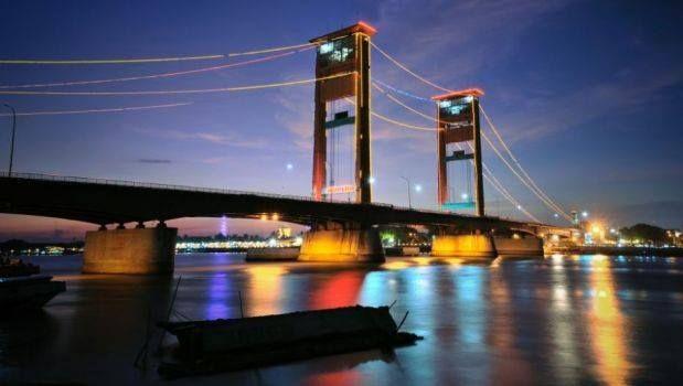 Jembatan Ampera.jpg