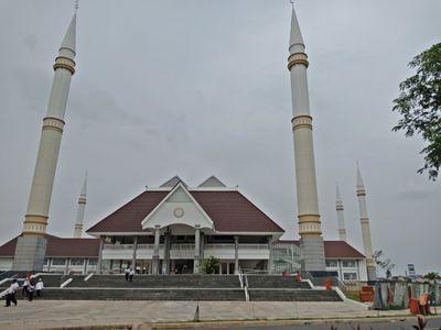 Masjid Raya KH Hasyim Asy'ari Jakarta Barat..jpg