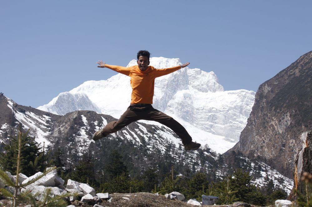 http://exploremanaslu.com/trip/manaslu-circuit-trekking/